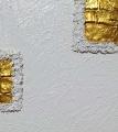 Monocromo bianco, oro e quarzo
