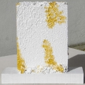 Plastica combusta, oro e quarzo, lato b